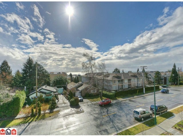 # 202 15389 ROPER AV - White Rock Apartment/Condo for sale, 1 Bedroom (F1116970) #2