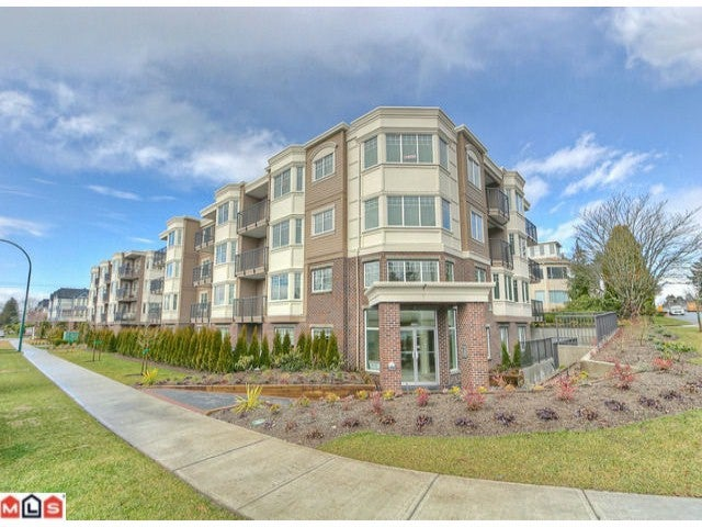 # 301 15389 ROPER AV - White Rock Apartment/Condo for sale, 1 Bedroom (F1201814) #1