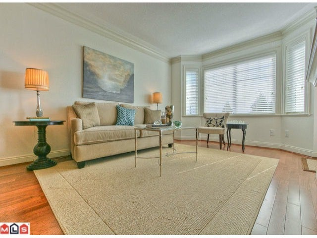 # PH3 15389 ROPER AV - White Rock Apartment/Condo for sale, 1 Bedroom (F1202415) #2