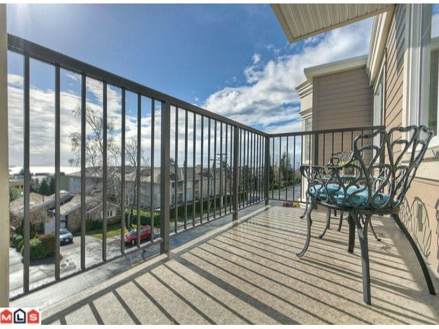 # PH3 15389 ROPER AV - White Rock Apartment/Condo for sale, 1 Bedroom (F1202415) #5